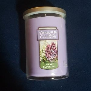 Yankee Candle Lilac Blossoms 22 oz Jar NWOT